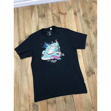 Converse tshirt Sneacker Swimming Pool