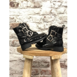 Boots Syra title=
